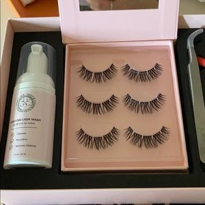 MOITIE COSMETICS AT HOME LASH EXTENSIONS KIT